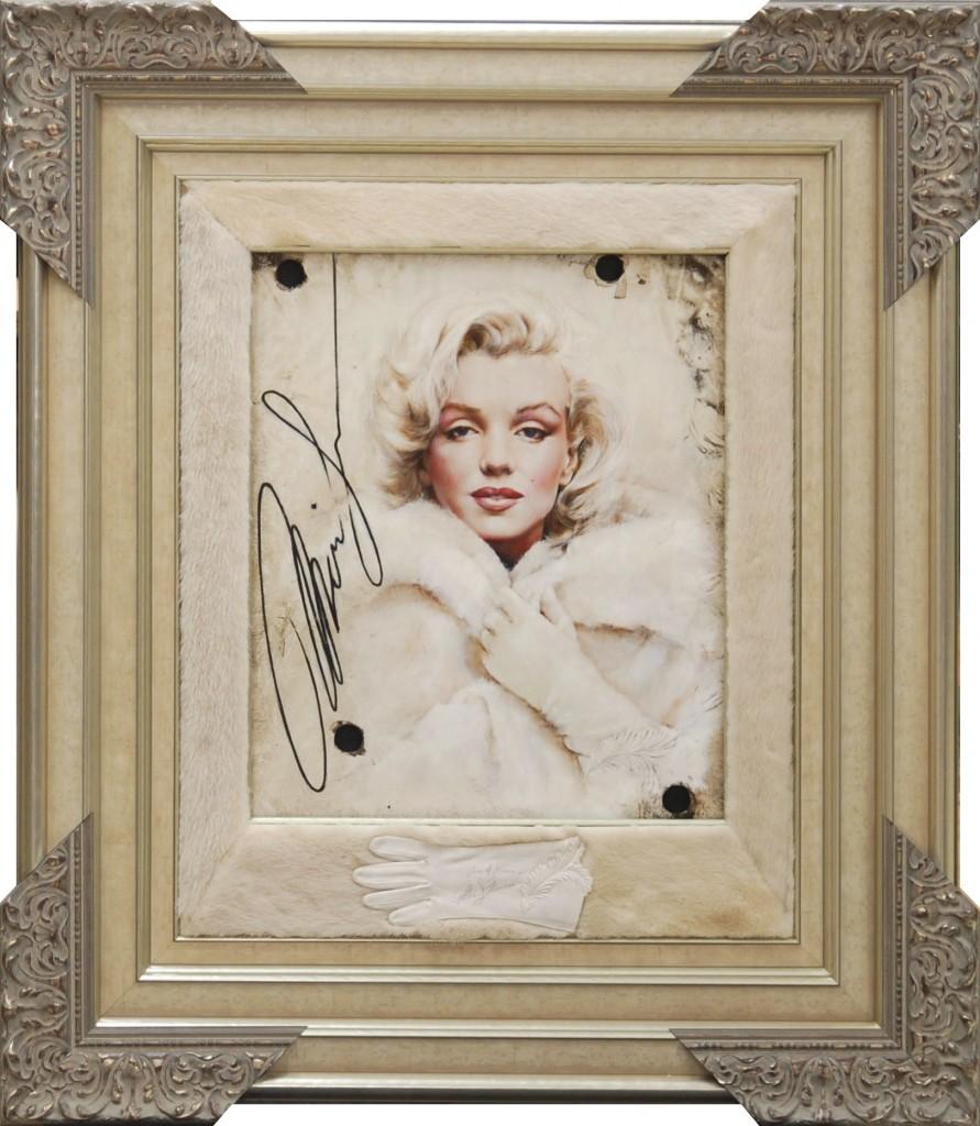 Legend in Mink - Marilyn Monroe